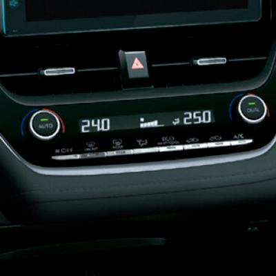 CLIMATIZADOR DUAL   Permite al piloto y copiloto estar a gusto con su temperatura favorita gracias al sistema de control automático del clima en dos zonas.