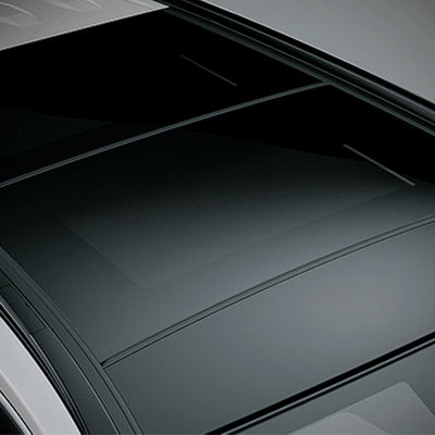 SUNROOF PANORÁMICO   Disfruta todos tus viajes al máximo con la vista panorámica que te da el sunroof del Corolla Hatchback Hybrid.