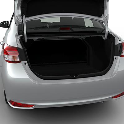 Maletera   Con 506 litros de capacidad para lo que necesites llevar. Cuenta con una amplia apertura y baja altura que facilita la carga y descarga de equipaje.
