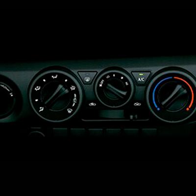 Aire Acondicionado   Controlado por tres anillos, que permiten un mejor funcionamiento y accionamiento rápido y seguro.