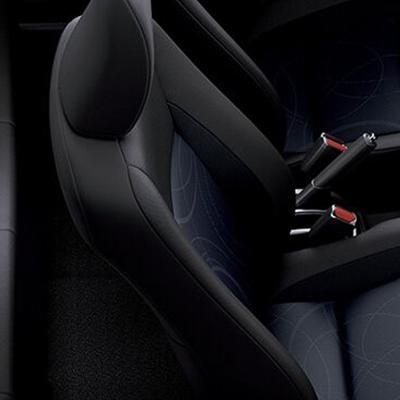 Cinturones de Seguridad   Delanteros: 2 de 3 puntos, con pretensor y limitador de fuerza. Posteriores: 3 de 3 puntos. Con seguros ISO-Fix en las plazas posteriores laterales para asientos de bebé.