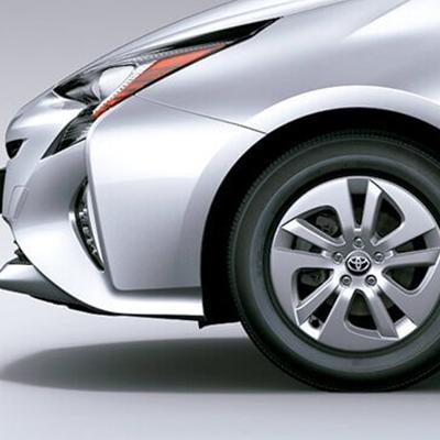 Sistemas de Frenado   Ante frenadas imprevistas, el ABS evita el bloqueo de las ruedas, el BA reduce la distancia de frenado, y el EBD optimiza la fuerza de frenado por cada rueda.